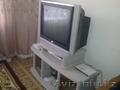 Срочно продам телевизор LG с подставкой